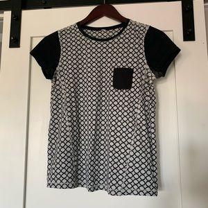 Women's size 6 Lululemon shirt